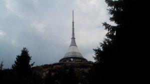 e tv-toren op de berg Ještěd waar ook het opstelpunt is van de 70cm-repeater OK0J