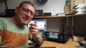 Richard (PD3RFR) maakte kennis met de handknijper van de IC-7610